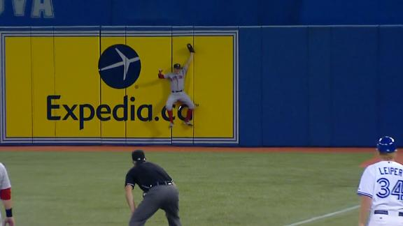 Video - Holt Slams Against The Wall For Impressive Catch