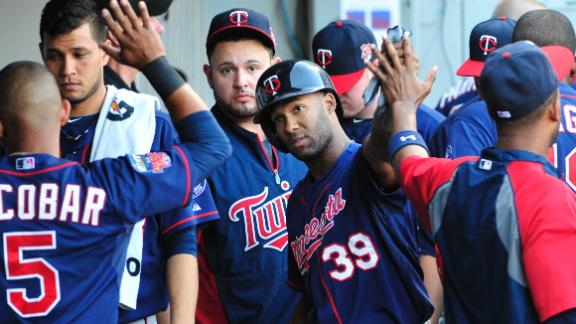 Santana leads Twins in rout of White Sox