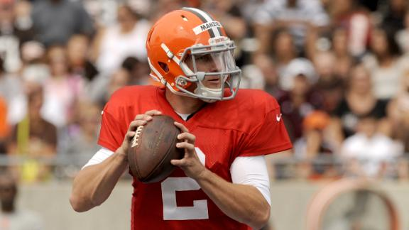 Manziel Takes First-Team Reps