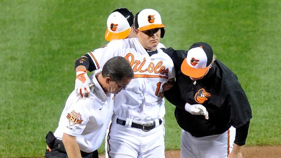 Manny Machado Leaves Game With Injury