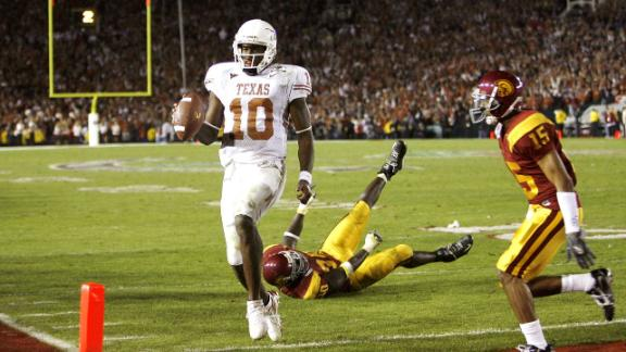 Vince Young Returns To University Of Texas