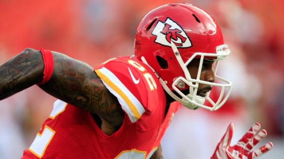 Finger Injury May Explain Bowe's Struggles