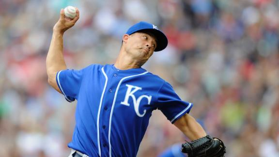 Surging Royals roll to extend AL Central lead