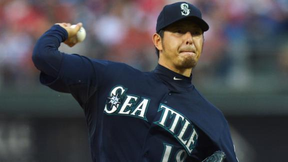 Iwakuma Pitches Mariners Past Phillies