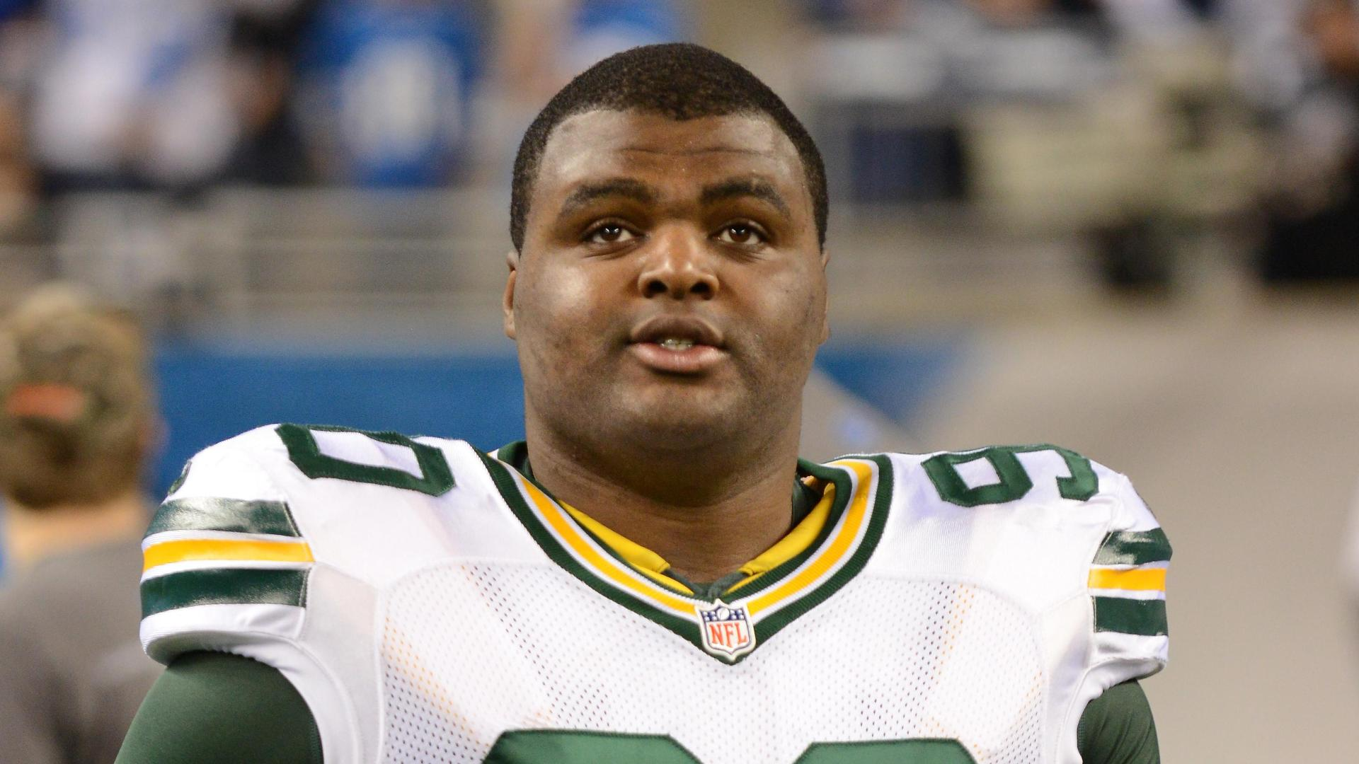 Packers Lose Raji For Season