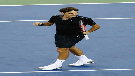Federer Cruises In Straight Sets