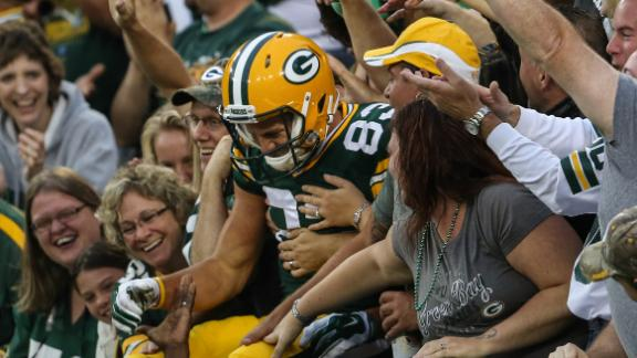 Packers Cruise Past Chiefs