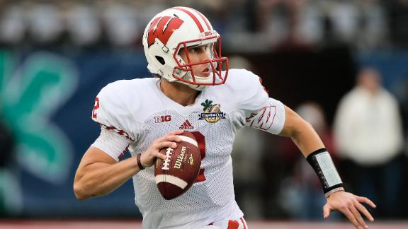 Wisconsin QB Stave Out Indefinitely