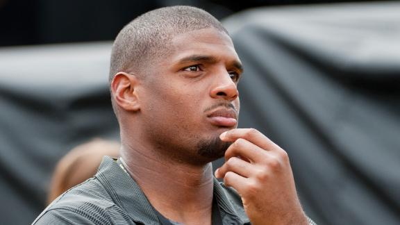 http://a.espncdn.com/media/motion/2014/0903/dm_140903_nfl_garrett_on_michael_sam/dm_140903_nfl_garrett_on_michael_sam.jpg