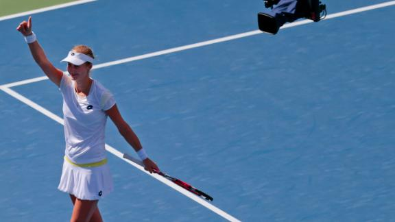 Makarova Reaches Semifinals