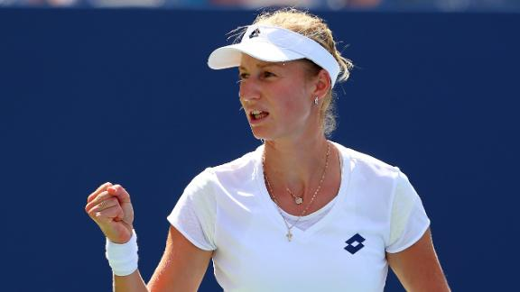 Makarova Tops Azarenka, Advances To Semis