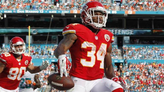 Davis Impressive in Chiefs' Win