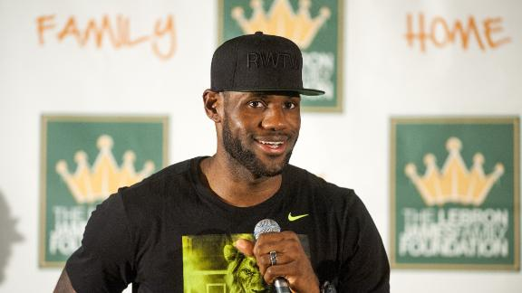 http://a.espncdn.com/media/motion/2014/0926/dm_140926_nba_windhorst_lebron/dm_140926_nba_windhorst_lebron.jpg