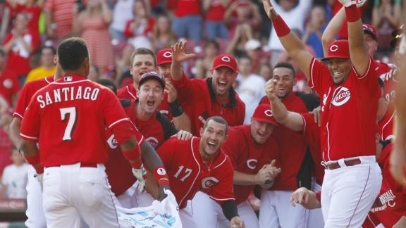Video - Santiago's Grand Slam Lifts Reds In 10
