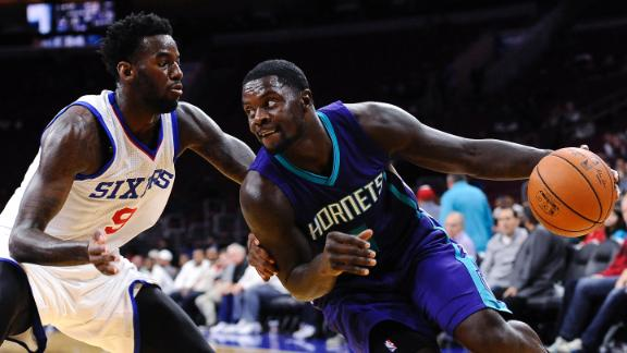Video - Hornets All The Buzz In Charlotte