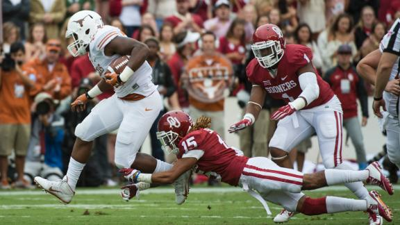 Oklahoma Edges Texas, 31-26