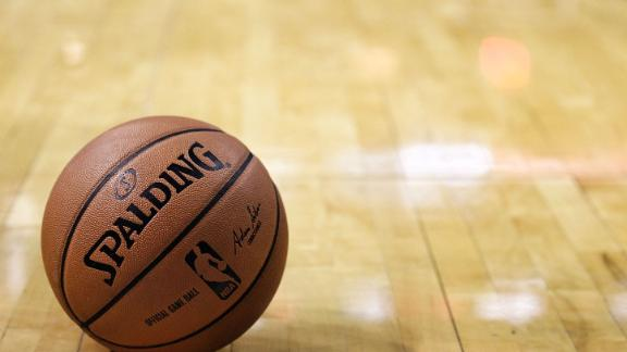 http://a.espncdn.com/media/motion/2014/1014/dm_141014_nba_to_test_shorter_game/dm_141014_nba_to_test_shorter_game.jpg
