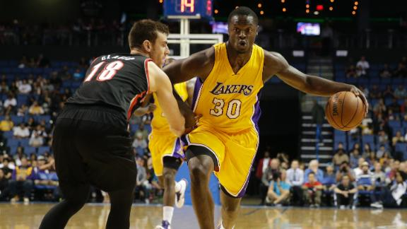 Video - Rookie Randle Lifts Lakers Past Blazers