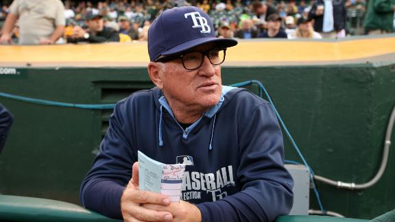 Rays manager Maddon opts out, leaving team