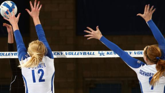 No. 16 Kentucky sweeps Arkansas