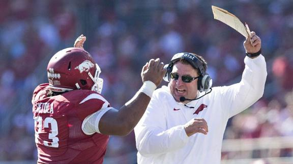 Arkansas cruises past UAB, 45-17