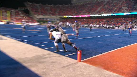 4Q BYU C. Stewart pass,to J. Leslie for 18 yds for a 1ST down