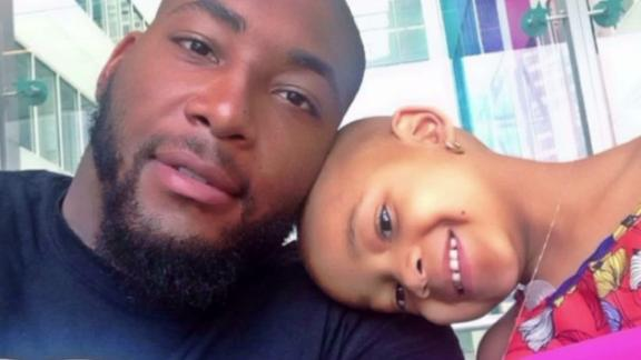 http://a.espncdn.com/media/motion/2014/1102/dm_141102_nfl_devon_still_still_strong/dm_141102_nfl_devon_still_still_strong.jpg