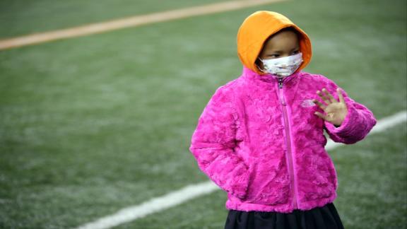 http://a.espncdn.com/media/motion/2014/1107/dm_141107_Leah_Stills_Watches_Dad_Play_First_NFL_Game/dm_141107_Leah_Stills_Watches_Dad_Play_First_NFL_Game.jpg