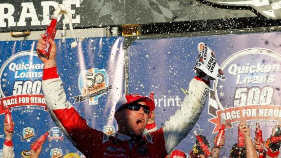 http://a.espncdn.com/media/motion/2014/1109/dm_141109_NASCAR_Phoenix/dm_141109_NASCAR_Phoenix.jpg