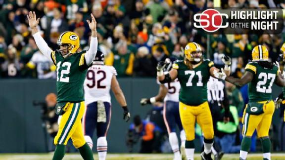 Aaron Rodgers tosses 6 TDs in first half as Packers rout Bears