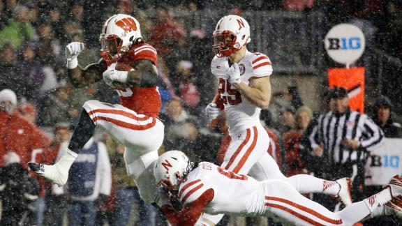 http://a.espncdn.com/media/motion/2014/1115/dm_141115_Nebraska_Wisconsin_Highlight/dm_141115_Nebraska_Wisconsin_Highlight.jpg