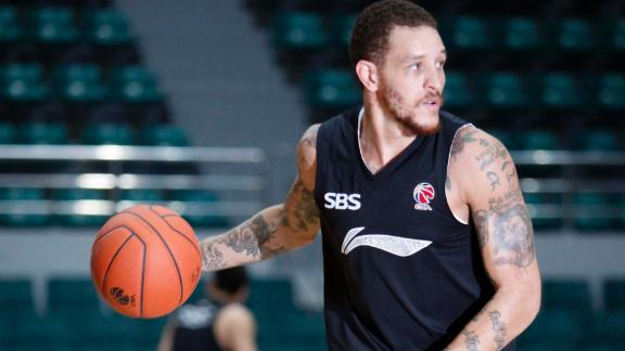 http://a.espncdn.com/media/motion/2014/1119/dm_141119_nba_Shanghai_Sharks_cut_Delonte_West/dm_141119_nba_Shanghai_Sharks_cut_Delonte_West.jpg
