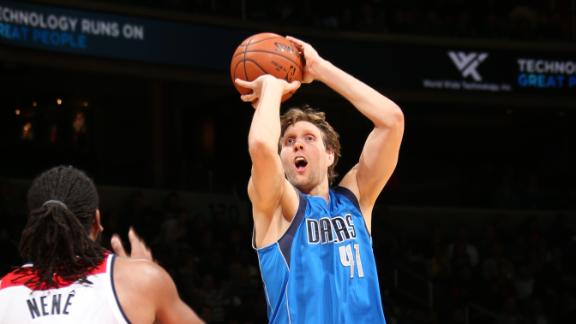 Hobbled Dirk hits key 3 as Mavs edge Wizards