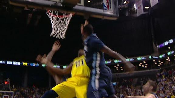 Villanova Hangs On Against Michigan