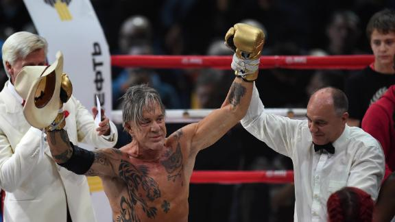 Mickey Rourke Returns To The Ring
