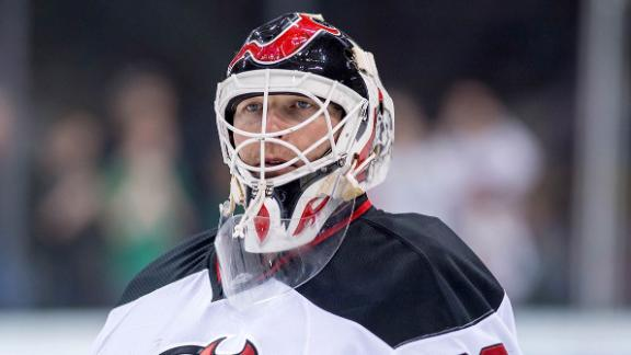 Blues Sign Brodeur