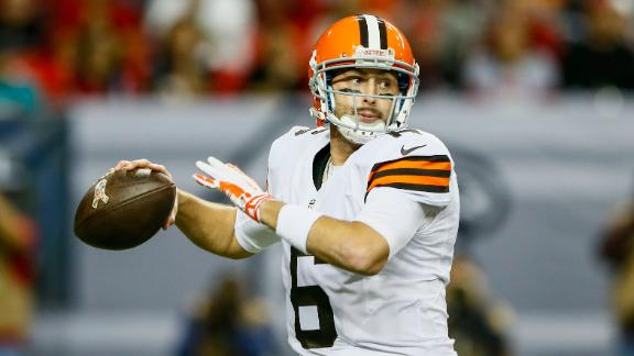 Browns Stick With Hoyer As Playoff Hunt Continues
