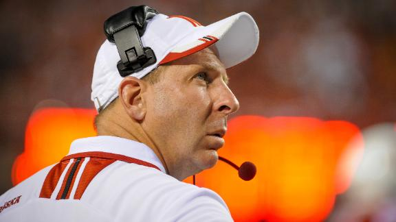 http://a.espncdn.com/media/motion/2014/1216/dm_141216_cfb_Pelini_returns_to_Youngstown/dm_141216_cfb_Pelini_returns_to_Youngstown.jpg