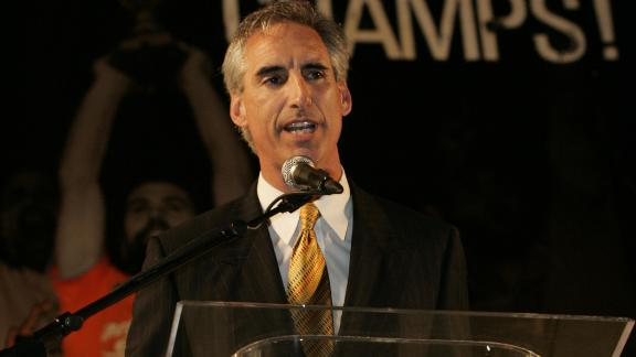 Oliver Luck Leaving West Virginia For NCAA