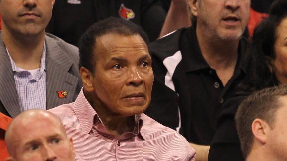 Muhammad Ali Has 'Mild' Pneumonia