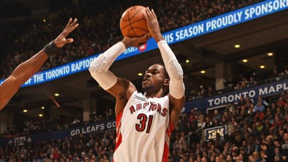 Knicks' Dalembert fined $15K for elbowing