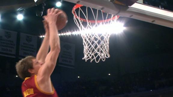 http://a.espncdn.com/media/motion/2015/0115/dm_150115_NBA_One-Play_Lebron_To_Mozgov/dm_150115_NBA_One-Play_Lebron_To_Mozgov.jpg