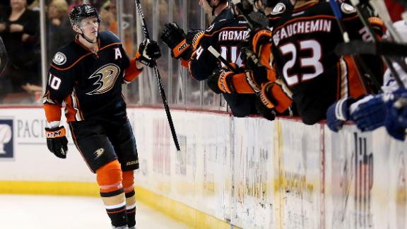 Video - Perry Leads Ducks Past Maple Leafs