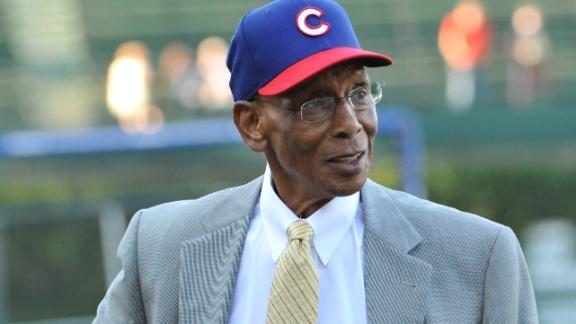 Ernie Banks Dies At Age 83