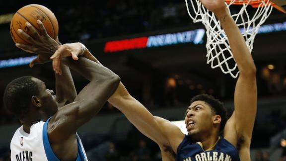 Video - Pelicans Edge Wolves