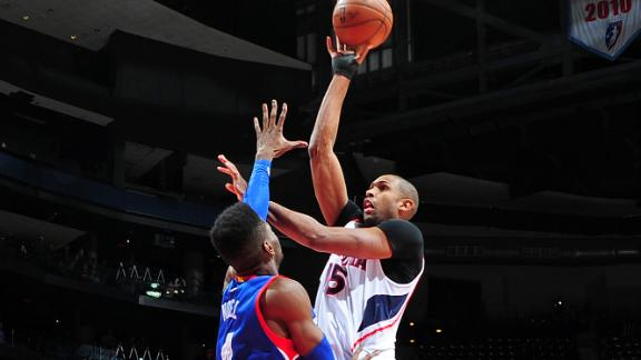 Hawks survive Sixers scare; streak now at 19