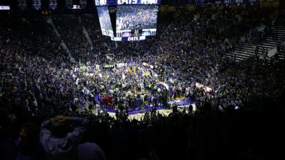 http://a.espncdn.com/media/motion/2015/0224/dm_150224_ncb_daugherty_storming_the_court/dm_150224_ncb_daugherty_storming_the_court.jpg