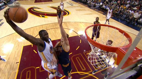 Green Throws It Down on Mozgov
