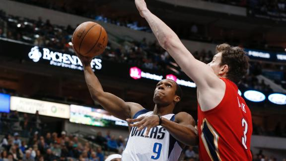 Video - Rondo, Mavs Stop Pelicans