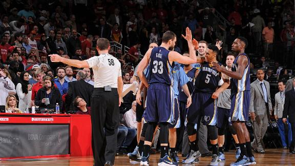 Video - Gasol, Grizzlies Fight Off Rockets